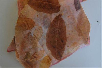 sciarpa ecoprint naturale