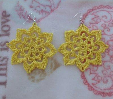 Orecchini gialli solari