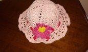 Cappellino neonata all'uncinetto cotone rosa fiore margheritta idea regalo