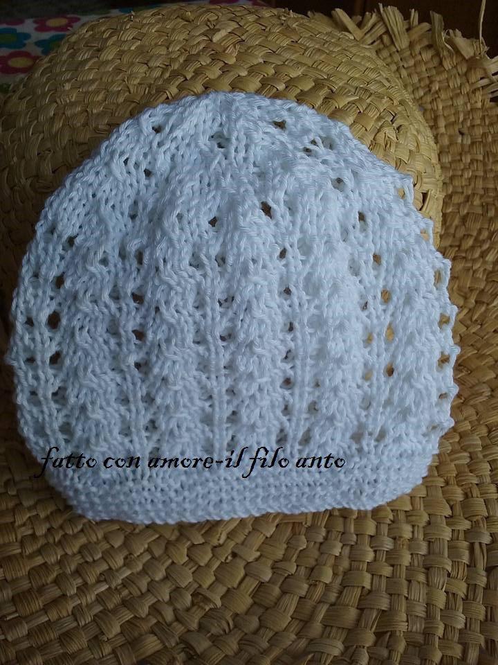Cappello in cotone bianco con motivo a fori per bimbe