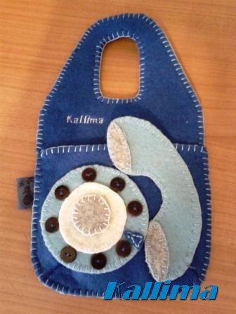 BUSTINA PORTA CELLULARE TELEPHONE BLUETTE per ricarica appendibile in feltro fatta a mano