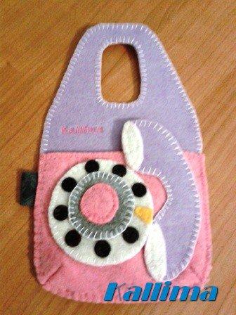 BUSTINA PORTA CELLULARE TELEPHONE GLICINE per ricarica appendibile in feltro fatta a mano