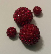 Orecchini doppia perla con pavè rosso