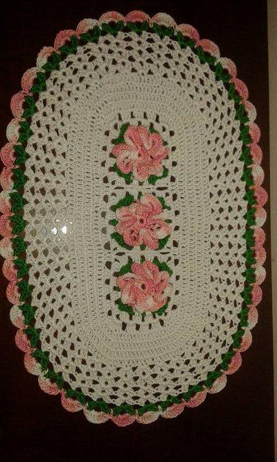Centrino Ovale Centrotavola fiori 3D  39x25 all'uncinetto cotone