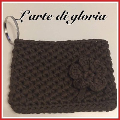 Pochette marrone uncinetto