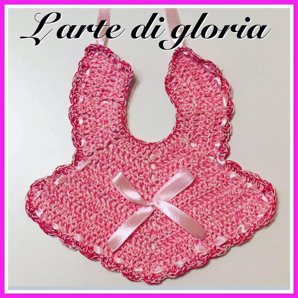 Bavaglino rosa uncinetto