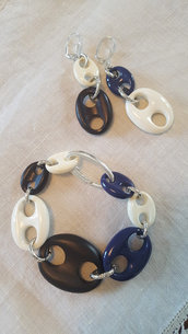 Bracciale ed orecchini con maglie marine