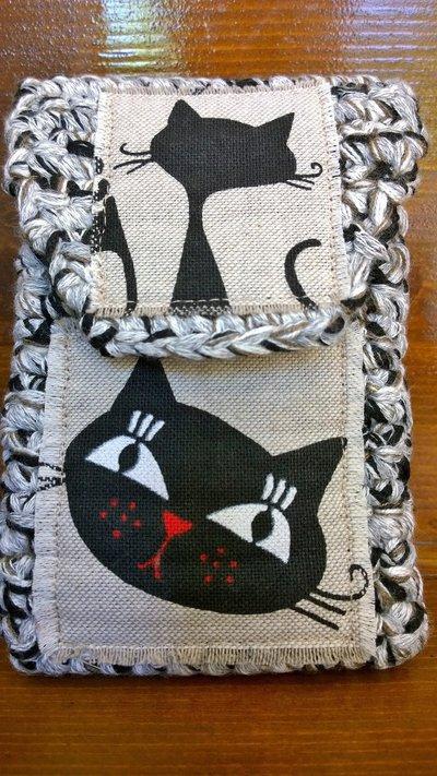 Portacellulare cover uncinetto gatto nero fatto a mano artigianale filato misto