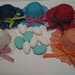 Bomboniera cappellino portaconfetti  uncinetto segnaposto