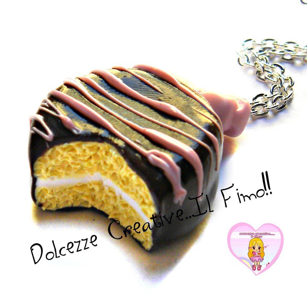 Collana Biscotto ripieno di vaniglia, ricoperto di cioccolato - miniature kawaii idea regalo