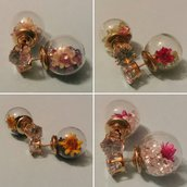 Orecchini doppia perla con fiorellini e strass