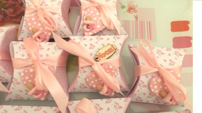 BOMBONIERA COMPLETA DELUXE - battesimo nascita compleanno PERSONALIZZATO con NOME  - scatolina confetti e ciondolo fimo shabby CUORE con CIUCCIO