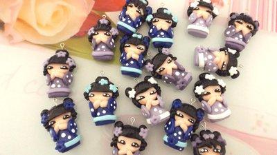 CIONDOLO DELUXE BOMBONIERA - KOKESHI  BLU  PORTAFORTUNA doll giapponesina sushi - FIMO laurea compleanno