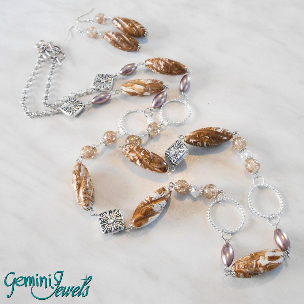 Collana lunga con pietre in resina ovali twist variegati
