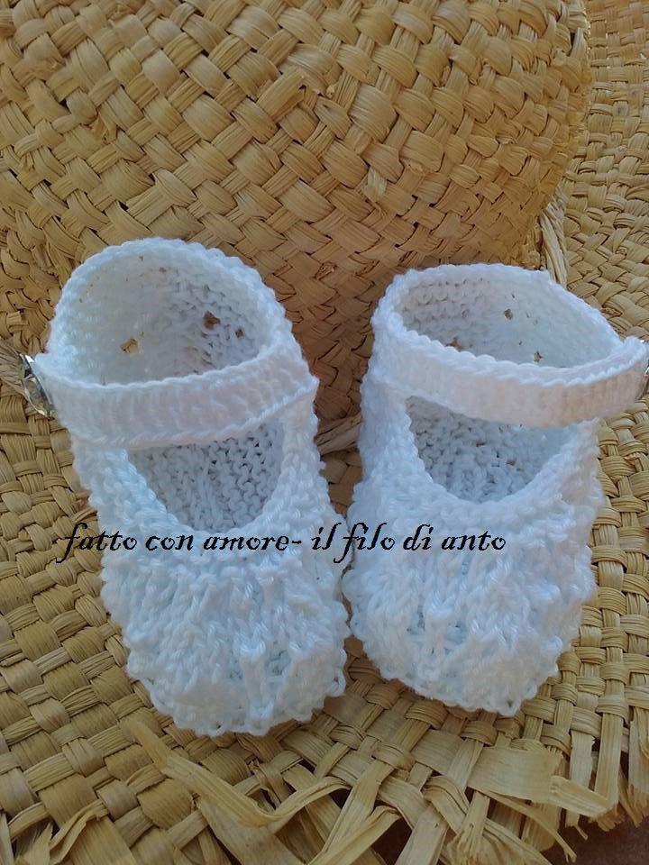 Scarpine neonata in cotone puro bianco fatte a mano a maglia