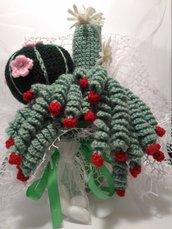 Composizione piante grasse uncinetto  verdi con secchiello verde