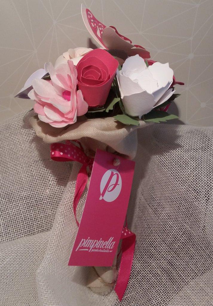 Bouquet fiori di carta e farfalla comunione cresima