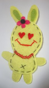 broche conejito enamorado