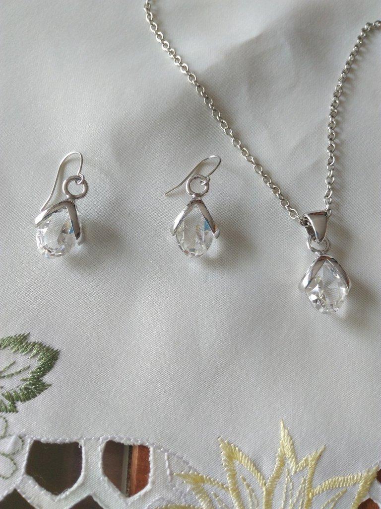 Parure collana e orecchini in cristallo