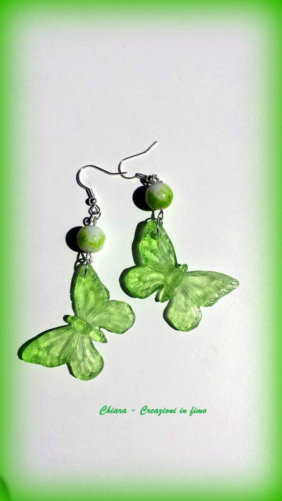 Orecchini in resina handmade a forma di farfalla verde greenery trasparenti idee regalo donna