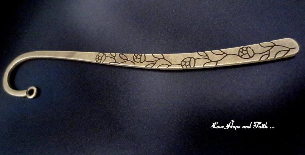 """Segnalibro in metallo color bronzo """"Rose"""" (116x22x2mm) (cod.bronzo1)"""