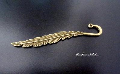 """Segnalibro in metallo color bronzo """"Piuma"""" (80x9x3mm) (cod.bronzo2)"""