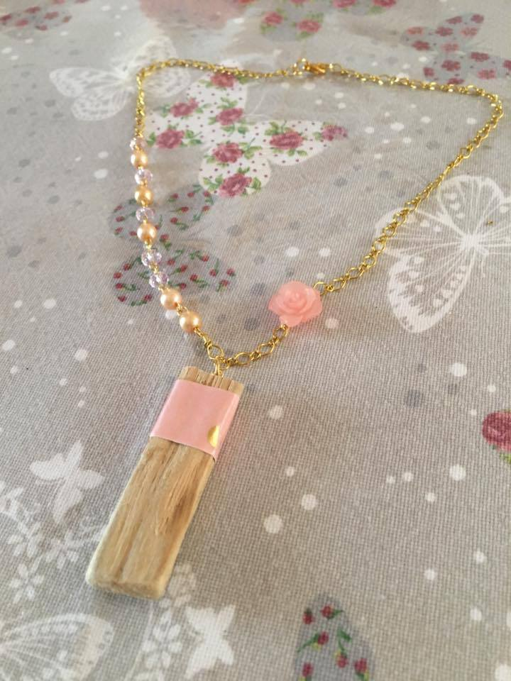 Collana Legno e perline e rose