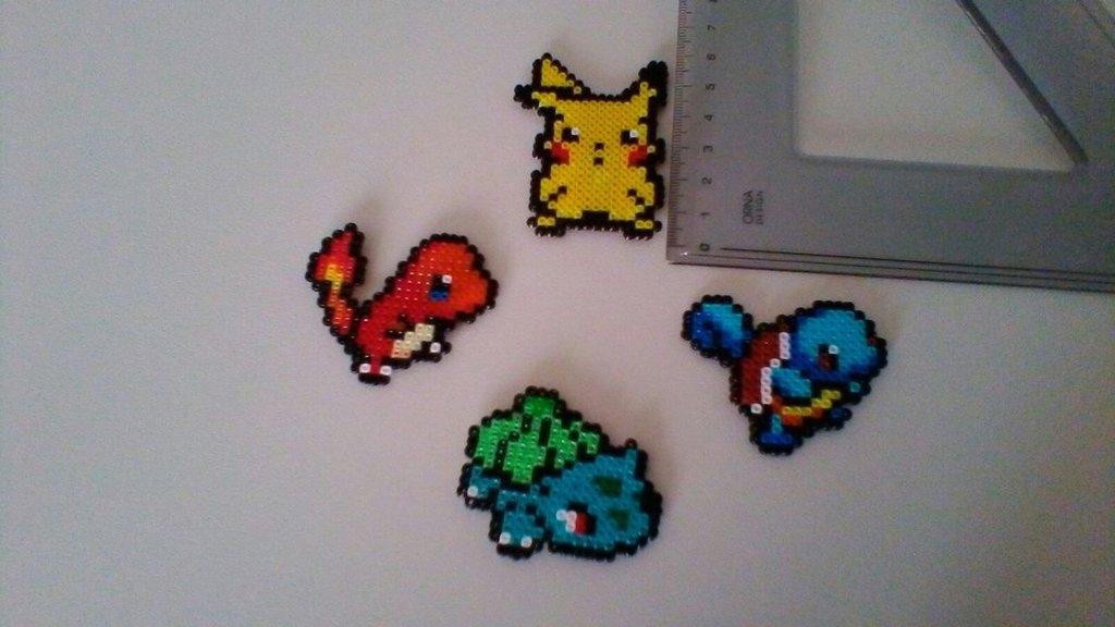 Calamita soggetti Pokemon in hama beads