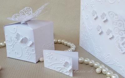 Bomboniera scatolina portaconfetti per matrimonio con farfalle e fiori