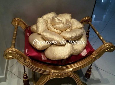 Cuscino a rosa dorato