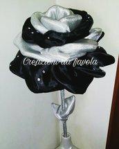 Rosa in stelo imbottita nera e argento