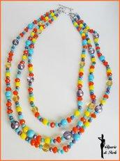 Collana multicolor media lunghezza a tre fili