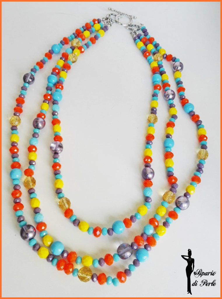 Collana multicolor media lunghezza a tre fili