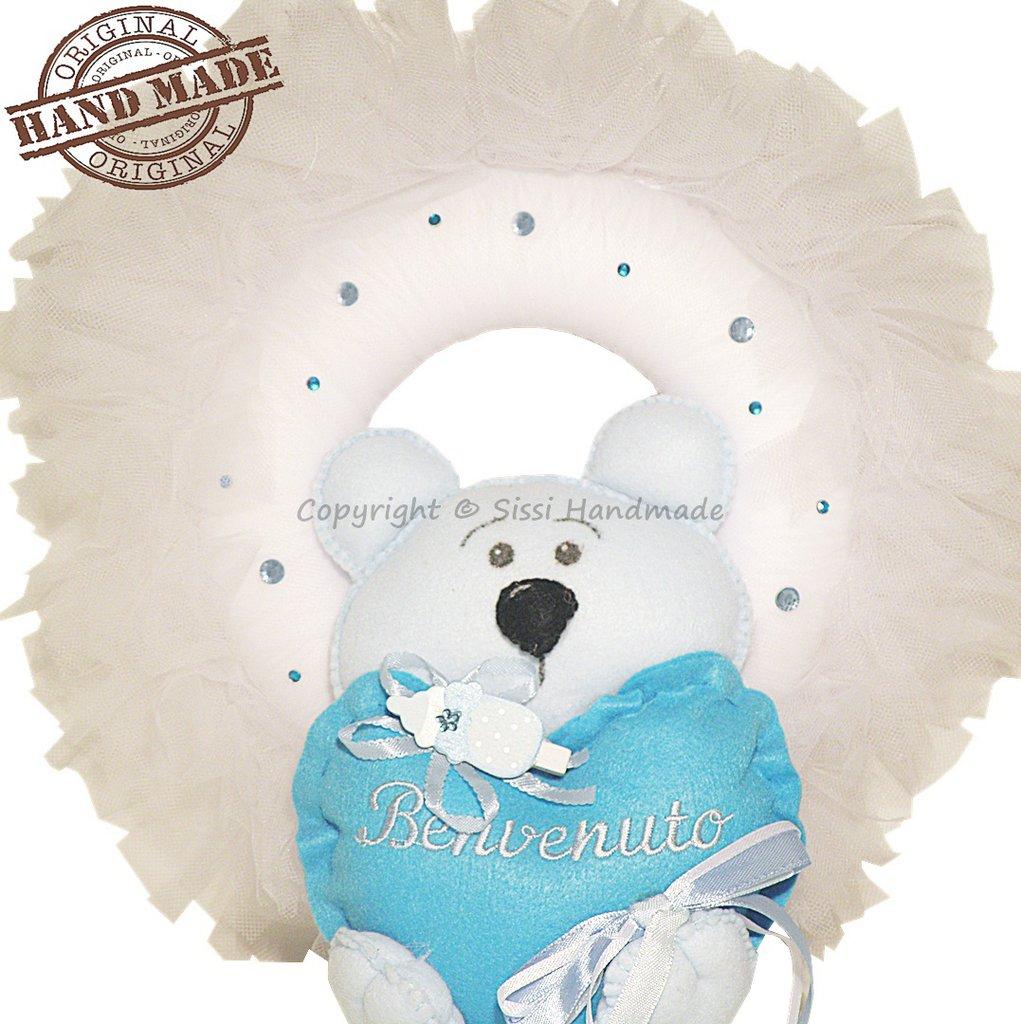 Fiocco nascita ghirlanda bianca con orsetto azzurro in pannolenci
