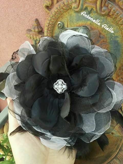 Grande fiore in organza per acconciatura
