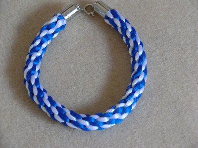 Braccialetto intrecciato bianco e blu
