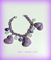 Bracciale handmade con charms in resina e fimo lilla idee regalo donna