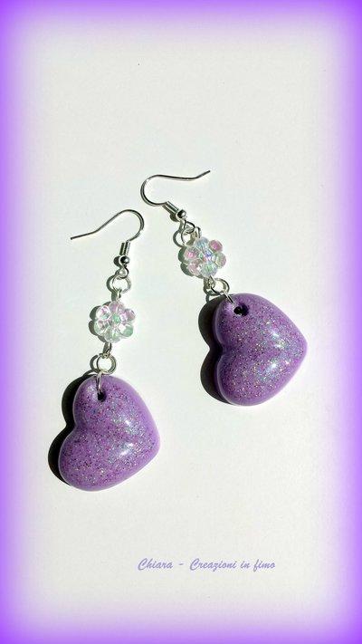Orecchini in resina handmade lilla e perlina abbinata idee regalo donna