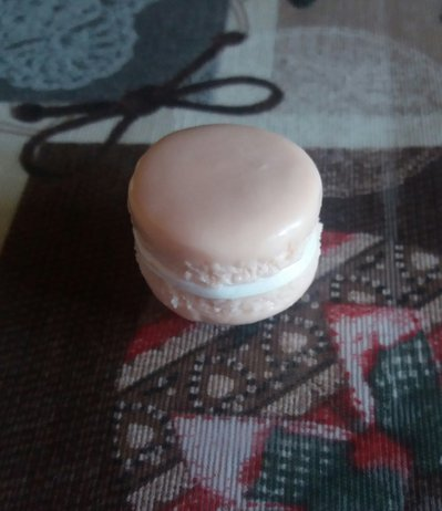 Calamita biscotto macaron rosa in fimo