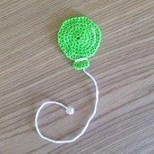 Segnalibro palloncino verde fatto a mano all'uncinetto