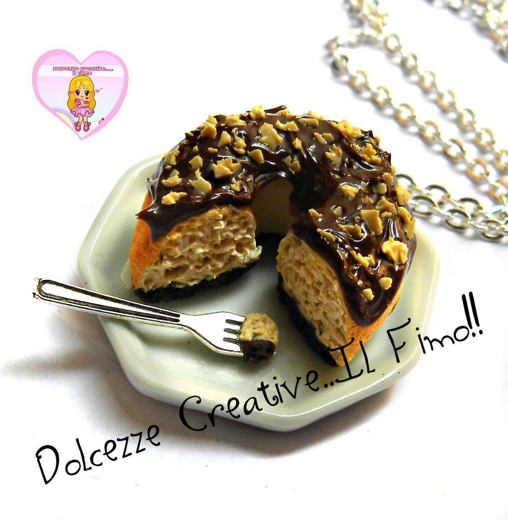 Collana Torta Ciambellone vaniglia e cioccolato con nocciole - cake, ciambella - kawaii