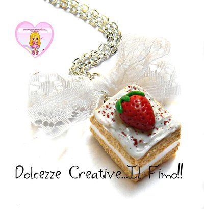 Collana piccola pasticceria - Dolce panna, crema, pan di spagna e fragola - miniature doll house