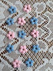 Kit di 10 fiori in panno azzurri o rosa