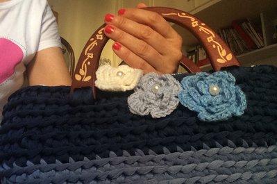 Borsa blu fettuccia lycra e manici legno