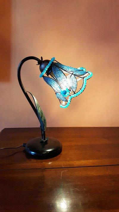 Lampada fiore azzurro stile liberty