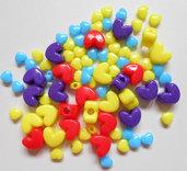 Lotto 85 perle a cuore in plastica vari colori e misure