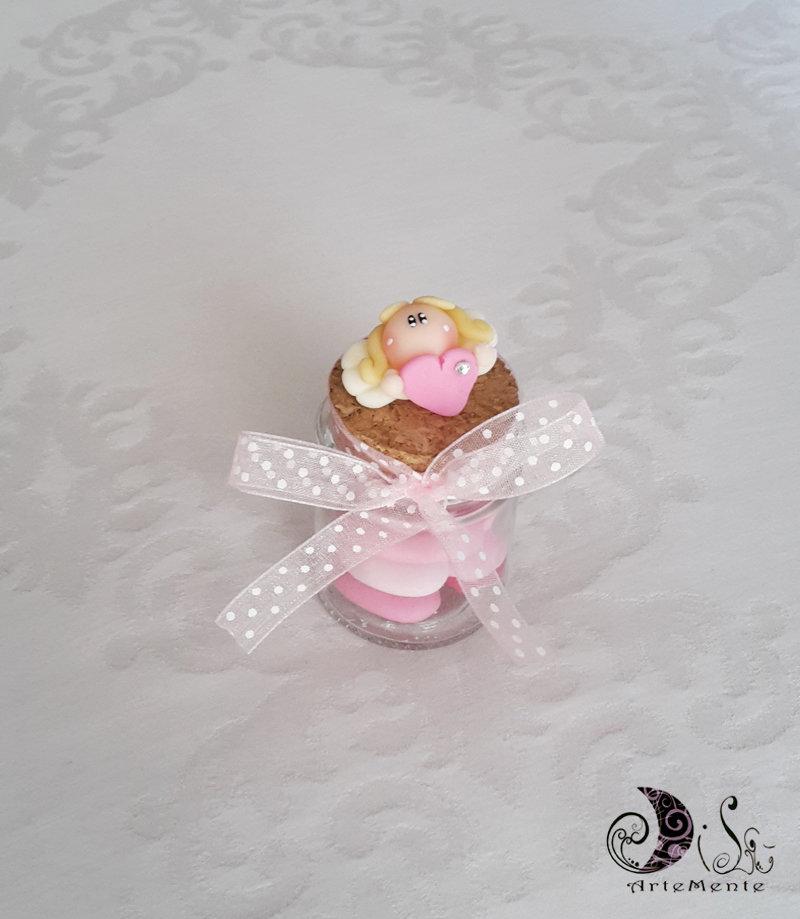 Barattolino bomboniera battesimo angelo con cuore bimba, portaconfetti in vetro con tappo in sughero decorato e fiocco rosa pois
