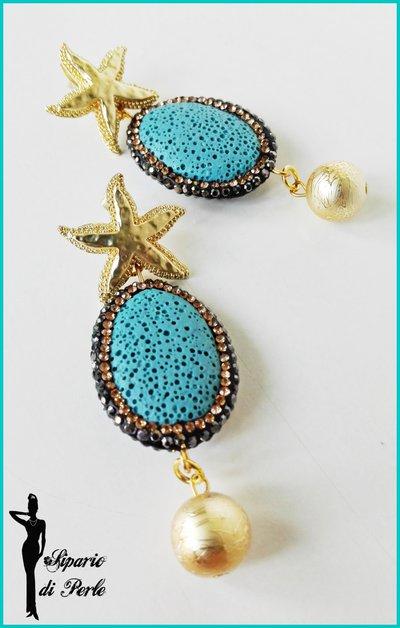 Orecchini con pietra lavica, strass e stella marina - AZZURRO/ORO