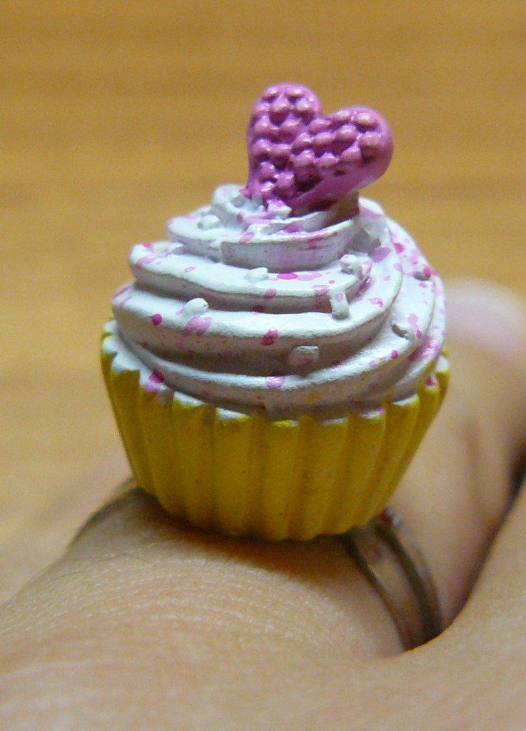 Cupcake ring*