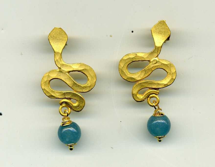 Orecchini a forma di serpente in zama (imitazione oro etrusco) e angelite